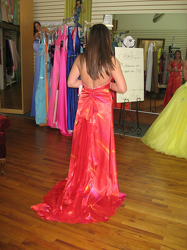 discounted prom dresses in williamsburg virginia